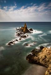 montaña del arrecife (jaimeelkito2) Tags: almeria arrecifedelassirenas andalucia aficionado paisaje mediterraneo nikon nikon7200 rocas seda efectoseda largaexposicion