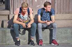 IMG_2677 (Skinny Guy Lover) Tags: outdoor people sitting sit seated guys men males dudes backpacks backpackers nikes nikesneakers nikeairmax slender