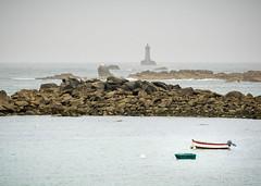 Un été en Bretagne (patoche21) Tags: europe finistere france marin paysage atmosphère barque bateau grisaille littoral mer mouillage phare patrickbouchenard bretagne landscape coastline boat sea seaboard lighthouse grayness brittany