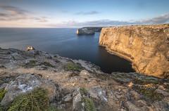 Last sun rays (Sizun Eye) Tags: vicentinecoastnaturalpark alentejo algarve portugal coast coastline cliffs sunset cabodesaovincente longexposure le poselongue nikond750 d750 nikon1424mmf28 nikkor1424mmf28 nikkor nikon nisifilters