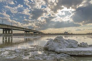 We so hoped that the sun will melt the ice... / Мы так надеялись, что солнце лёд растопит...