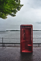 Red Booth (A Great Capture) Tags: lakeontario phone booth red toronto waterfront telephone agreatcapture agc wwwagreatcapturecom adjm ash2276 ashleylduffus ald mobilejay jamesmitchell on ontario canada canadian photographer northamerica torontoexplore summer summertime été 2018