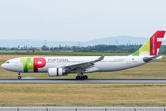 A332_TP1272 (LIS-VIE)_CS-TOO_3 (VIE-Spotter) Tags: vienna vie airport airplane flugzeug flughafen planespotting wien