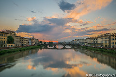 Half an hour later (part 2/3) (JdJ Photography (www.jdj-photography.nl)) Tags: pontesantatrinita arno florence firenze stad city toscane tuscany toscana italië italy italia europa europe continent avond evening zonsondergang sunset wolken clouds ponteallacarraia brug bridge rivier river reflectie reflection autos cars geparkeerd parked