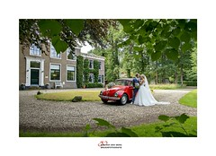 the red beetle (Zino2009 (bob van den berg)) Tags: wedding weather schloss castle mansion house walk nature front man woman couple pair happy marriage married newleywed car eyecatcher spot green enchanted luckyme love inlove