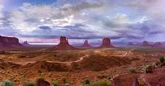 Monument Valley Pano *in explore* (bienve958) Tags: eeuu monumentvalley utah landscape pano navajosland paisaje atardecer arizona