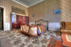Love bed (urban requiem) Tags: urbex urban exploration urbanexploration urbanrequiem lost old chateau castle muet chateaumuet schloss 600d 816 sigma lit bed