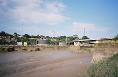 The silted up lock (knautia) Tags: avonviewpoint riveravon bristol england uk july 2018 film ishootfilm olympus xa2 olympusxa2 kodak kodacolor 200iso nxa2roll35 river avon mud cumberlandbasin floatingharbour lowtide