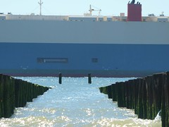 2018-07-22_10-01-14 (bobbykwibus) Tags: ship schip boat boot kust coast water sea zee blauw blue