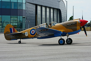 C-FVWC (B.HS) Vintage Wings of Canada