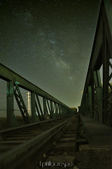 _DSC0050 (f.pinilla.crespo) Tags: nocturna villaseca toledo torremayor franciscopinillacrespo fpinillacrespo puente via lactea estrellas tren