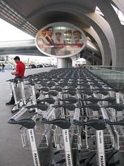 dxb international airport (6) (Parto Domani) Tags: dubai international airport internazionale aeropuerto aeroporto aeroporti terminal aerostazione flughafen aã©roport ùø·ø§ø± æºåº 空港 ð°ññð¾ð¿ð¾ññ uae emirati arabi uniti emirates arab united dxb aéroport مطار 机场 空港 аэропорт