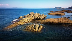 Ilha de Ons (vmribeiro.net) Tags: ilha ons espanha sea mar green sony z1 sky ocean tree rock grass cliff mountain field animal forest water bay landscape spain galiza galicia road people photo beach sand boat coast