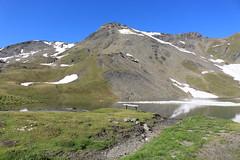 Lac des Autannes 2686 mètres (bulbocode909) Tags: valais suisse moiry grimentz valdanniviers lacdesautannes lacs montagnes nature paysages eau neige sentiers vert bleu