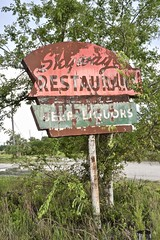 Skyway Restaurant - Dixie County, Florida (Rob Sneed) Tags: usa florida crosscity skywayrestaurant sign neon abandoned rust decay roadside roadtrip restaurant closed dixiecounty americana faded advertising business independent beer liquor bar lounge