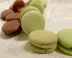 IMG_4094 (danimaniacs) Tags: food sweet treat dessert macaron wedding
