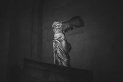 Νίκη της Σαμοθράκης (Louvre) (marcelo.guerra.fotos) Tags: louvre museum muséedulouvre paris france historicpreservation historic blackandwhite blancoynegro noiretblanc noir noirblanc nocolor