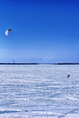 Snowkiting (kvl23) Tags: rivernortherndvina frost north arkhangelsk russia winter speed river sky sport snowkite snow kite snowkiting