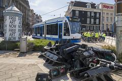 Een fijne bende (Tim Boric) Tags: amsterdam prinshendrikkade tram tramway streetcar strassenbahn peperbus verkeerslichten stoplichten trafficlights