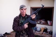 IMG_7622.jpg (Reportages ici et ailleurs) Tags: kurdistanirakien urbanwar kurdes sinjar pkk yezidis peshmerga battle city yekineyenberxwedanshengale ybs guerre shengal ezidis guerreurbaine yannrenoult fight bataille war isis hpg ypg yjastar etatislamique montagne guerilla kurd ville yekineyenparastinagel mountain