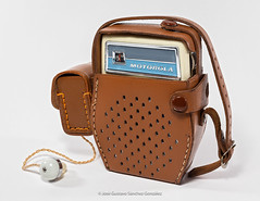 Motorola Modelo X14 with leather case and earphone, Circa 1960, Made in Japan for Motorola Inc., U.S.A. and assembled in México by Corporación Nacional Electrónica, S.A. (José Gustavo Sánchez González) Tags: gustavo josegustavo transistorradio motorola reversedpainted x14 japan méxico usa ivory leather case earphone
