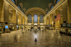 The Medium of Grand Central Terminal (tsanchezruiz) Tags: longexposure newyork grandcentralterminal railstation vanderbilthall ghost largaexposición estación nuevayork