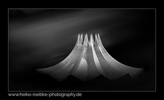 Tempodrom Berlin (H. Roebke (offline for a while)) Tags: 2018 noiretblanc canon5dmkiv building abstract schwarzweiss photoshop gebäude sw berlin urban stadtansicht canon100400mmf4556lisiiusm architektur de roof architecture blackandwhite blacksky bw lightroom tempodrom