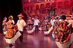 Espectáculo Guelaguetza con la Compañía de Danza Costumbrista de OaxacaU0AEctG8