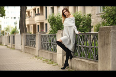 * (Henrik ohne d) Tags: eos5dmk2 ef85mmf18 may2018 portrait lisa girl blonde boots dress fashion