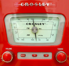Crosley radio (Mark Chandler Photography) Tags: 2016 7dmarkii cobbphotosociety douglasville ga georgia markchandler ng3c cameraclub canon shootout red antique vintage classic crosley radio phono phonograph dial buttons museum stock color colour