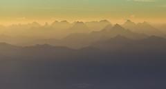 Layers of Gold (Rita Eberle-Wessner) Tags: landschaft landscape schweiz switzerland appenzell alpstein säntis säntisgipfel sonnenaufgang sunrise berge mountains alpen alps magiclight berg himmel morgendämmerung dawn