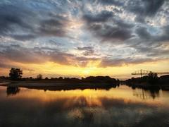 Zomer (Joos foto's) Tags: zonsopkomst zomer ochtend goedemorgen wolken bewolkt cloudy reflectie