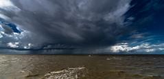 ein tag am meer (st.weber71) Tags: nikon nordsee norddeich wolken wasser wetter himmel surfen d850 meer wolkenstimmung wolkenbilder wolkenhimmel sturm ozean
