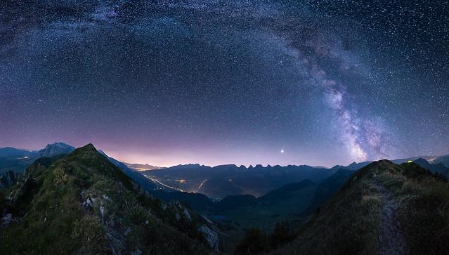 Auf den Bergen, unter den Sternen large image