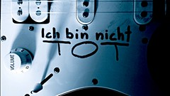 Ich bin nicht TOT (Michschnei) Tags: dark shadows shadow electric guitar punk grunge metal music strings rock conceptual aesthetic black word words writing written indie life thoughts past old time pic picture white ich bin nicht tot death dead