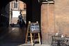 Bologna (Italy) - Portico del Palazzo del Podestà (Massimo Battesini) Tags: bologna emiliaromagna italia it olympusem10markii olympus em10markii mzuikodigitaled12503563ez zuiko olympus1250mmf3563 worldcitycenters portici arcades soportales volte archi arch porticos centrostorico zentrum centreville centromedievale centremédiéval medievalcenter centromedieval città ville city stadt town ciudad photographiederue streetphotography fotografiaderua photosdelavie escenacallejera italien italy italie piazzamaggiore palazzodelpodestà europe europa nettuno statuanettuno bar caffè cafe cafè café