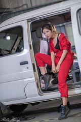 DSC_5076 (Robin Huang 35) Tags: 方唯真 chubby 修車廠 工作服 車 car 人像 portrait lady girl nikon d850