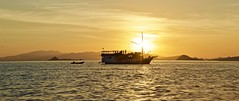 Sunset on the Indian ocean (somabiswas) Tags: indonesia indianocean boat ferry flores island