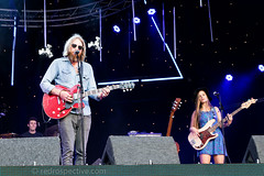Nashville Meets London 2016 -0104 (redrospective) Tags: 2016 20160814 canarywharf europe london nml naomiholmes nashvillemeetslondon nashvillemeetslondon2016 ruarrijoseph uk unitedkingdom williamtheconqueror artist artists band bass bassguitar bassist blue color colour concert country electricbass electricguitar gig guitar guitarist hat human instrument instruments live man music musician musicians people performer performers person red redrospectivecom singer singersongwriter sunglasses woman