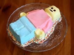 The taste of LEGO (vir-a-cocha) Tags: lego cake taste minifigure tasty party