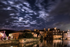 The bridge of Rohan (yann2649) Tags: gamesofthrones nuit night landerneau bretagne finistére nuage pont bridge oldtown medieval cloud architecture sea river ponthabité france french clairdelune twilight moonlight poselongue longexposure stars etoiles brittany moon inhabitedbridge