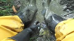 Muddy Noras (rubberboy1990) Tags: gummistiefel rainboots rubberboots rainwear rubbergloves nora anton wellingtons schlamm matsch mud marigold