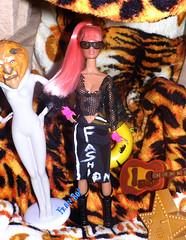💎🐯Ela tem a força🐯💎 (FranBoy Monteiro) Tags: doll dolls toy toys boneco bonecos boneca bonecas cute pretty beauty love amor fashion fashionista fashionistas moda outfit clothes look model models gay gayguy guy boy fun diversão cool handsome awesome barbie ken tiger tigre pinky integrity integritytoys aria dynamitegirls princess diva