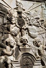 Mainz, Dom St. Martin, Grabmal im Kreuzgang (tombstone in the cloister) Detail (HEN-Magonza) Tags: grabmal tombstone epitaph mainz domstmartin stmartinscathedral kreuzgang cloister rheinlandpfalz rhinelandpalatinate deutschland germany
