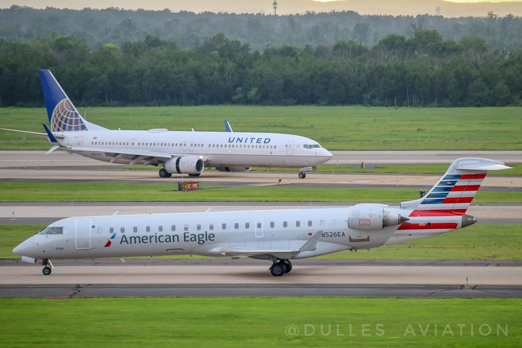 The World's newest photos of crj700 and united - Flickr Hive