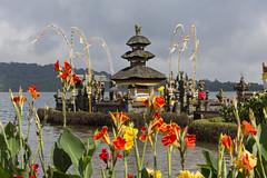 Улун Дану - храм на озере. Pura Ulun Danu - temple on the lake. (atardecer2018) Tags: bali 2017 architecture arquitectura church iglesia бали архитектура храм