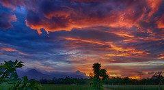 View in the Philippines after sunset (STEHOUWER AND RECIO) Tags: sunset clouds colours landscape philippines pilipinas filipinas scenery grass trees tropical asia mountain mountains