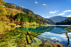 Amazing view of the Arrow Bamboo Lake with crystal clear water (www.layerplay.design) Tags: