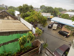 Indonesia-Java East-Talungagung 20171215_154623 DSCN0458 (CanadaGood) Tags: asia asean seasia indonesia indonesian java javanese eastjava jawatimur tulungagung parking hotel building tree afternoon canadagood 2017 thisdecade color colour