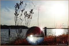 Am Koschener Kanal (der bischheimer) Tags: durch die gugel gekuggt senftenberg seenland brandenburg sony ball rund crystal kanal